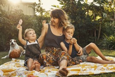 teaching-kids-healthy-habits-family-sunny-blanket-happy-clovercanyon