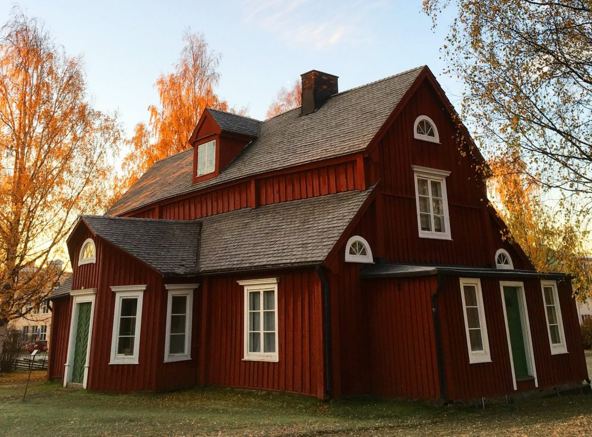 red-farmhouse-curb-appeal